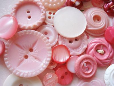 Pink-buttons-a-rosy-outlook