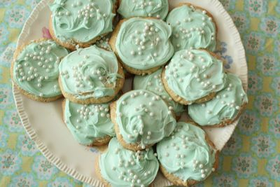 Mint-green-cookies-arosyoutlook