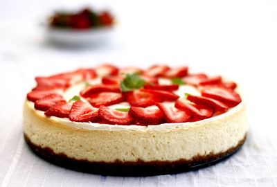 Scarlet-strawberry-cheesecake-arosyoutlook