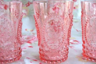 Pink-glasses-arosyoutlook-a-rosy-outlook