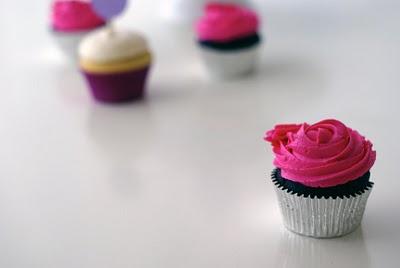 Fuschia-cupcake-arosyoutlook