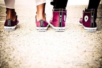 Fuschia-sneakers-arosyoutlook
