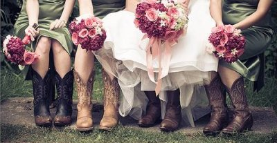 Bride-cowboy-boots-wedding-knot-arosyoutlook-rosy-outlook-9