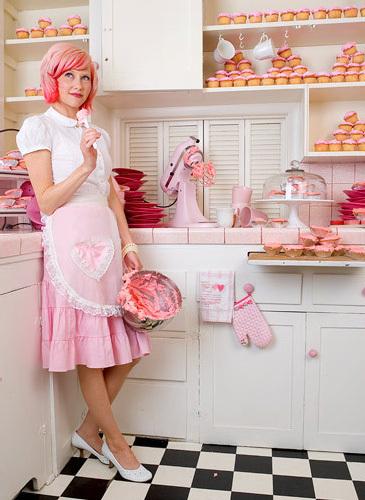 Pink-cupcake-cupcakes-arosyoutlook