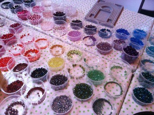 Rainbow-beads-arosyoutlook
